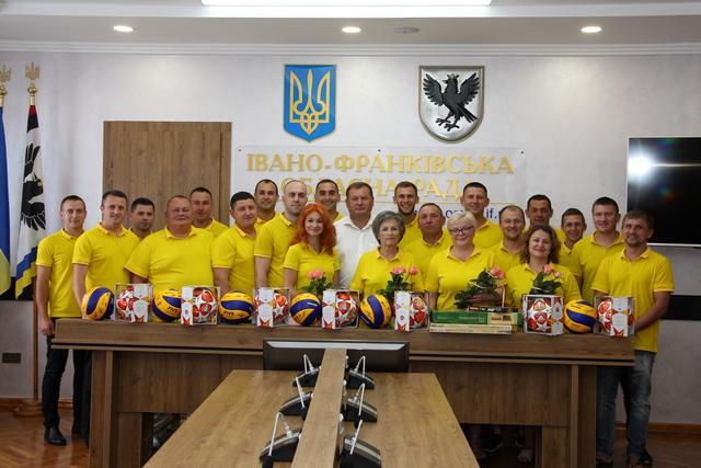 В обласній раді відзначили переможців VIІI Всеукраїнської спартакіади серед депутатів всіх рівнів (ФОТО)