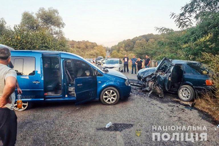 ДТП у Галицькому районі: через неуважність водія четверо осіб потрапили у лікарню
