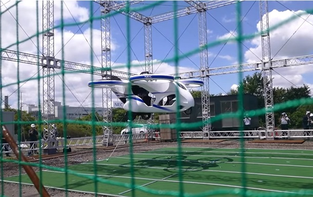 Компанія NEC презентувала прототип літаючого автомобіля (ВІДЕО)