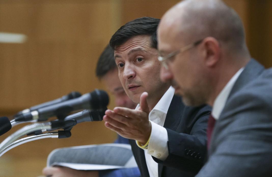 Зеленський змусив нардепа з Коломиї профінансувати ремонт дороги на Косівщині (ВІДЕО)