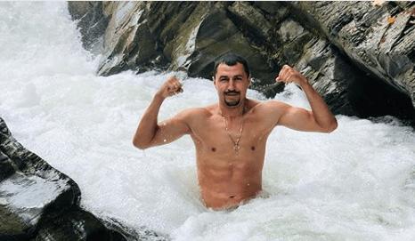 Відомий український боксер поділився світлинами з відпочинку в Карпатах (ФОТО)