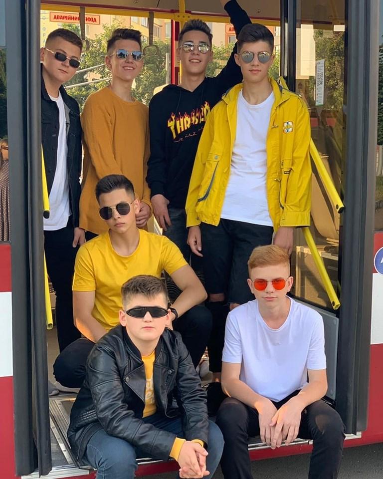 Їх називають франківськими Біберами. Як хлопчачий гурт Seventeens дивує каверами на відомі пісні (ВІДЕО)