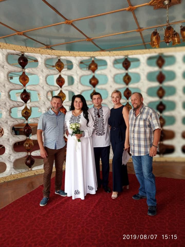 Біла сукня замість військової форми: у Калуші одружиласьучасниця бойових дій (ФОТО)