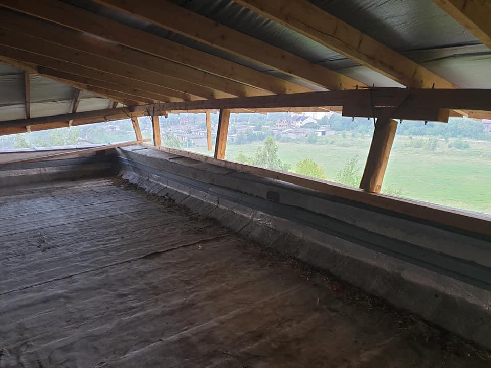 Прокуратура візьметься за неякісно встановлений дах школи у Богородчанах (ФОТО)
