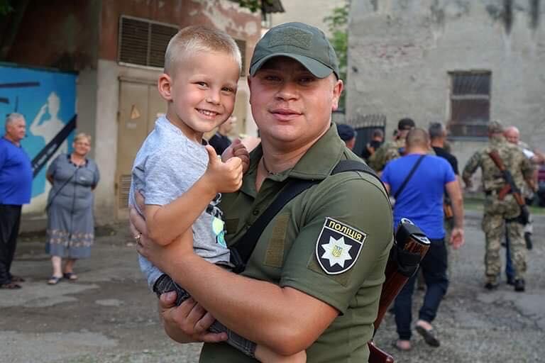 Прикарпатські поліціянти повернулисяз зони проведення ООС (ФОТО)