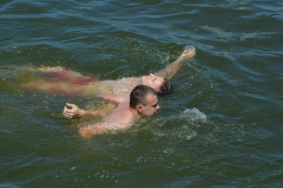 На міському озері вчили витягати потопаючих (ФОТО)