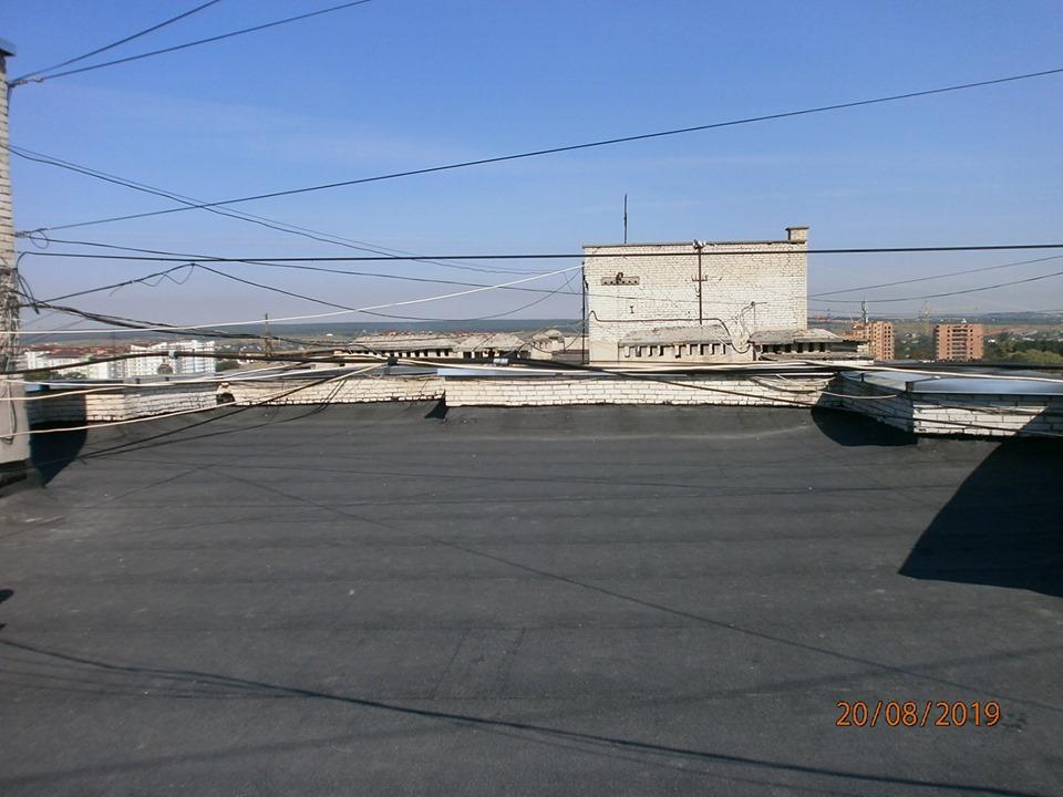 У багатоповерхівці на Мазепи завершили капремонт даху (ФОТО)