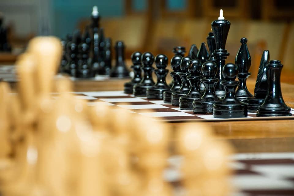 Шаховий турнір влаштували для франківців із вадами слуху і зору (ФОТО)