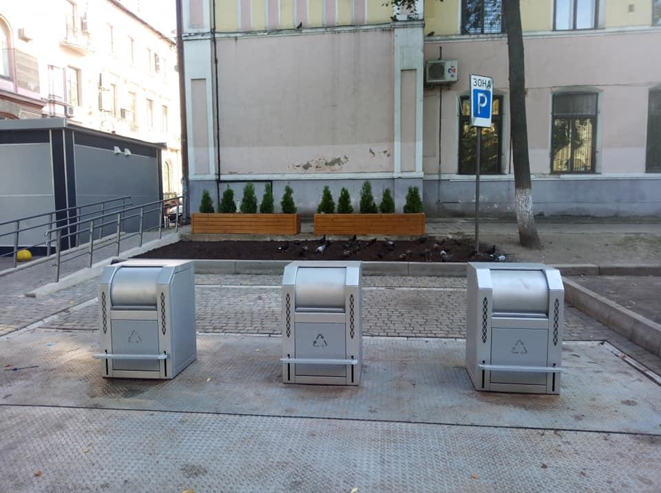 В Івано-Франківську запрацював перший підземний смітник (ФОТО)