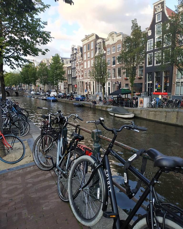 Франківець розповів, як у Європі вигідно взяти на прокат велосипед чи електросамокат (ФОТО)
