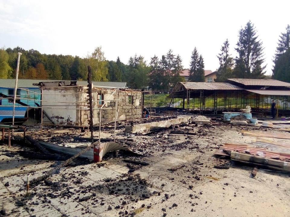 Під час пожежі у дитячому таборі загинув 17-річний прикарпатець