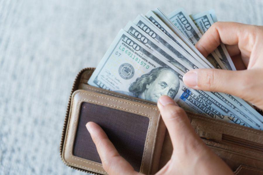 На Прикарпатті чоловік, котрий повертався із заробітків у Росії, загубив майже 3000 доларів США