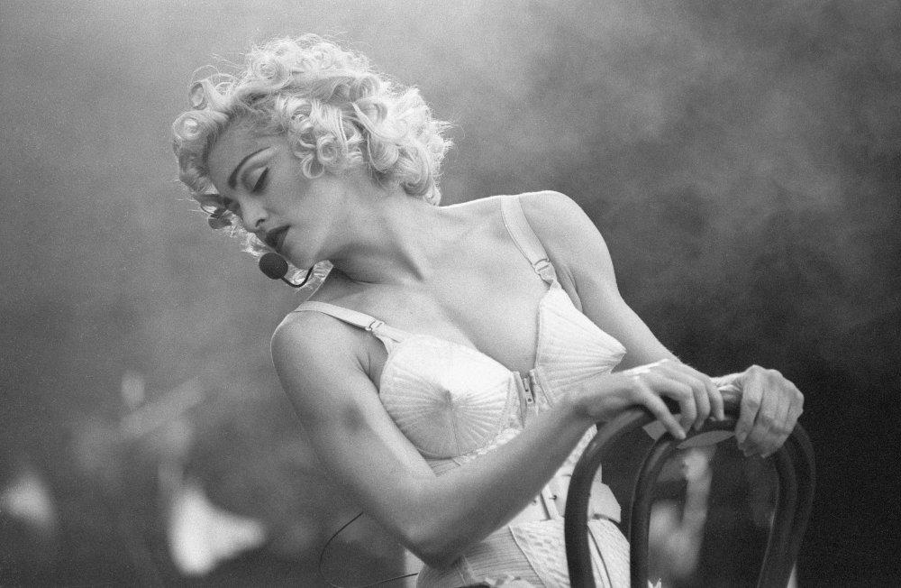 Мадонні виповнився 61 рік: скандальні світлини поп-діви (ФОТО)