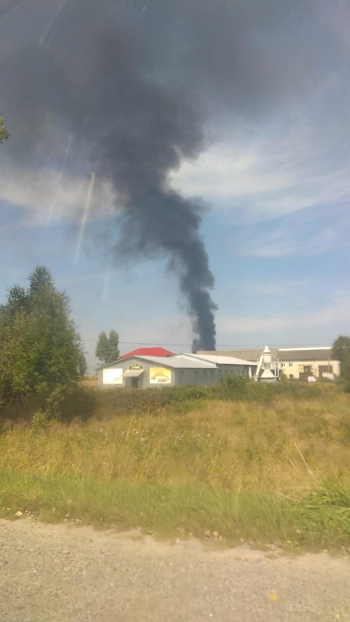 На Долинщині пожежа – дим видно на кілька кілометрів (ФОТО)