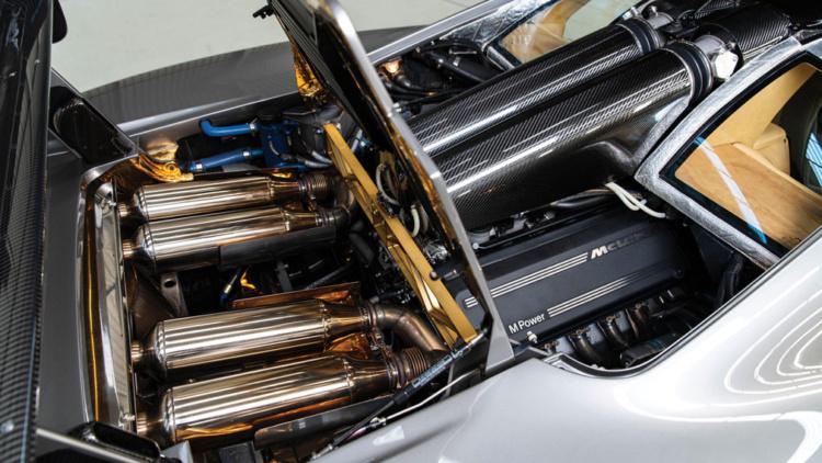 Авто із золотим двигуном продадуть за шалені гроші (ФОТО)