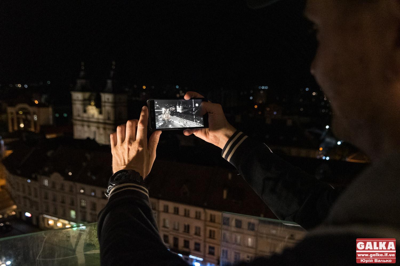 Як виглядає нічне місто з Ратуші (ФОТО)
