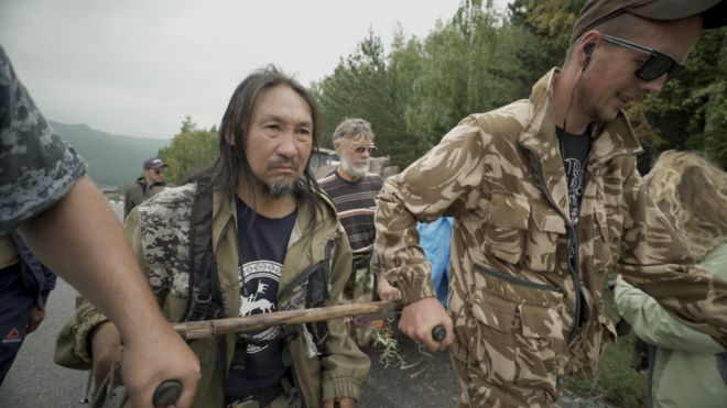 """У Росії затримали шамана, який """"йшов виганяти Путіна"""" з Кремля"""