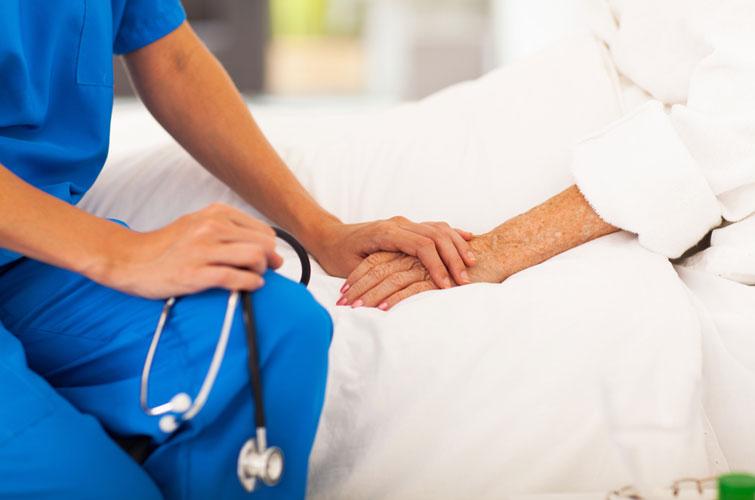Медична реформа: прикарпатцям розповіли, скільки держава платитиме за пологи, інсульти та інфаркти