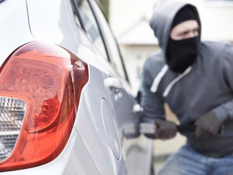 У Галичі двоє невідомих викрали автомобіль (ФОТО, ОНОВЛЕНО)