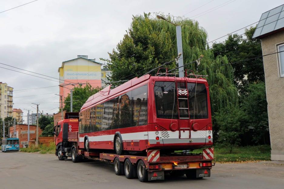 Перша партія білоруських тролейбусіви вже прибула до Франківська (ФОТО)