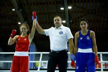 """Дві прикарпатські боксерки здобули """"срібло"""" на чемпіонаті Європи в Болгарії"""