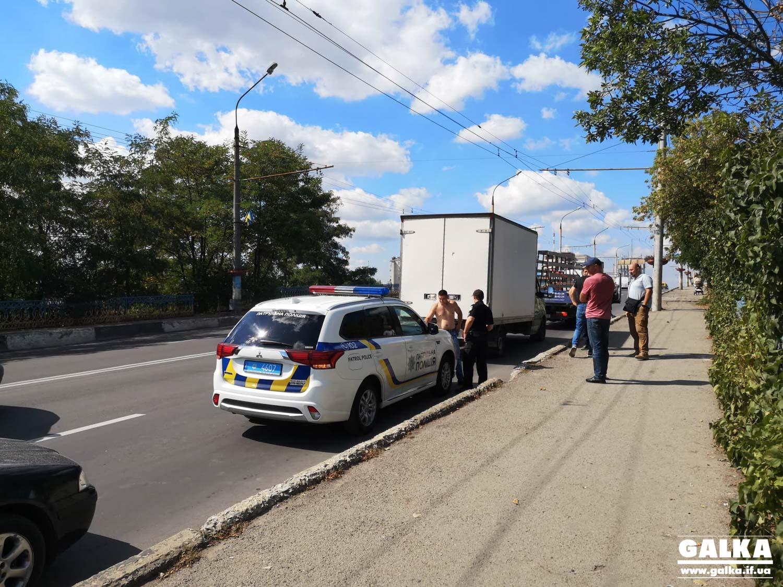 Хулігани протягнули атовця на машині майже пів кілометра, бо зробив зауваження за петарду (ФОТО, ВІДЕО)