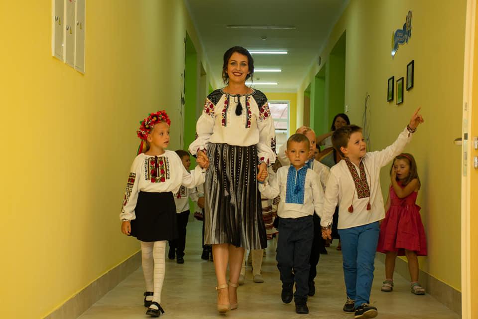 У приміському Хриплині відкрили нову школу (ФОТО)