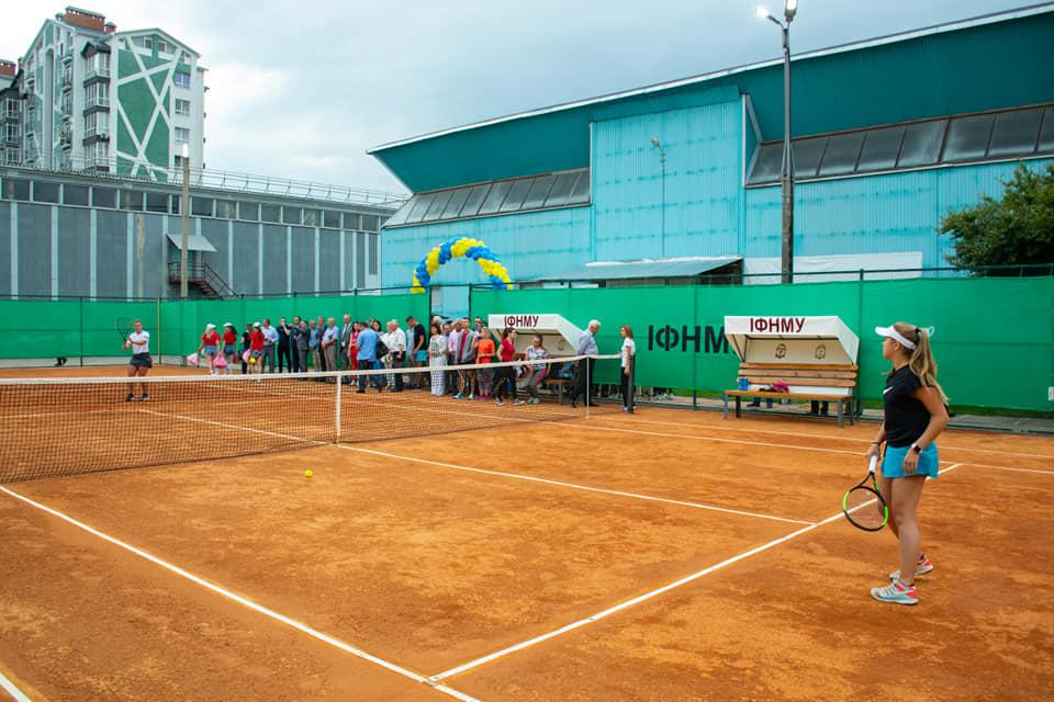 У Франківську відкрили ще один тенісний корт (ФОТО)