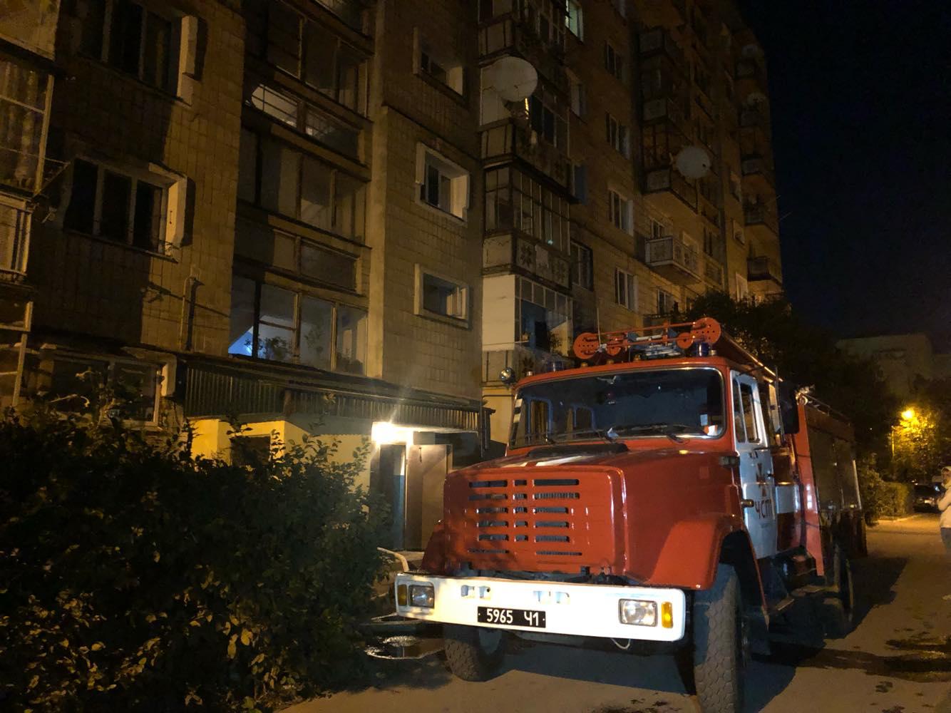 Вночі через пожежу у багатоповерхівці на Вовчинецькій евакуювали майже 30 людей (ФОТО)