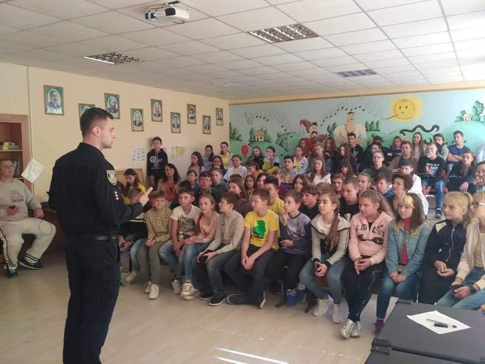 В Угорниках школярів вчили обходитися без алкоголю (ФОТО)