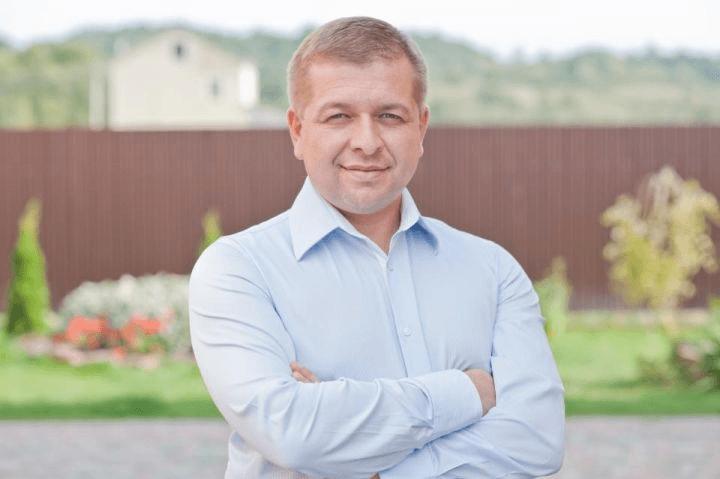 В Івано-Франківській обласній раді представили нового депутата (ФОТОФАКТ)