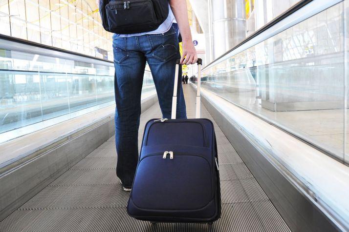 Мешканець Естонії, який на 100 днів застряг в аеропорту Маніли через пандемію, спізнився на рейс додому