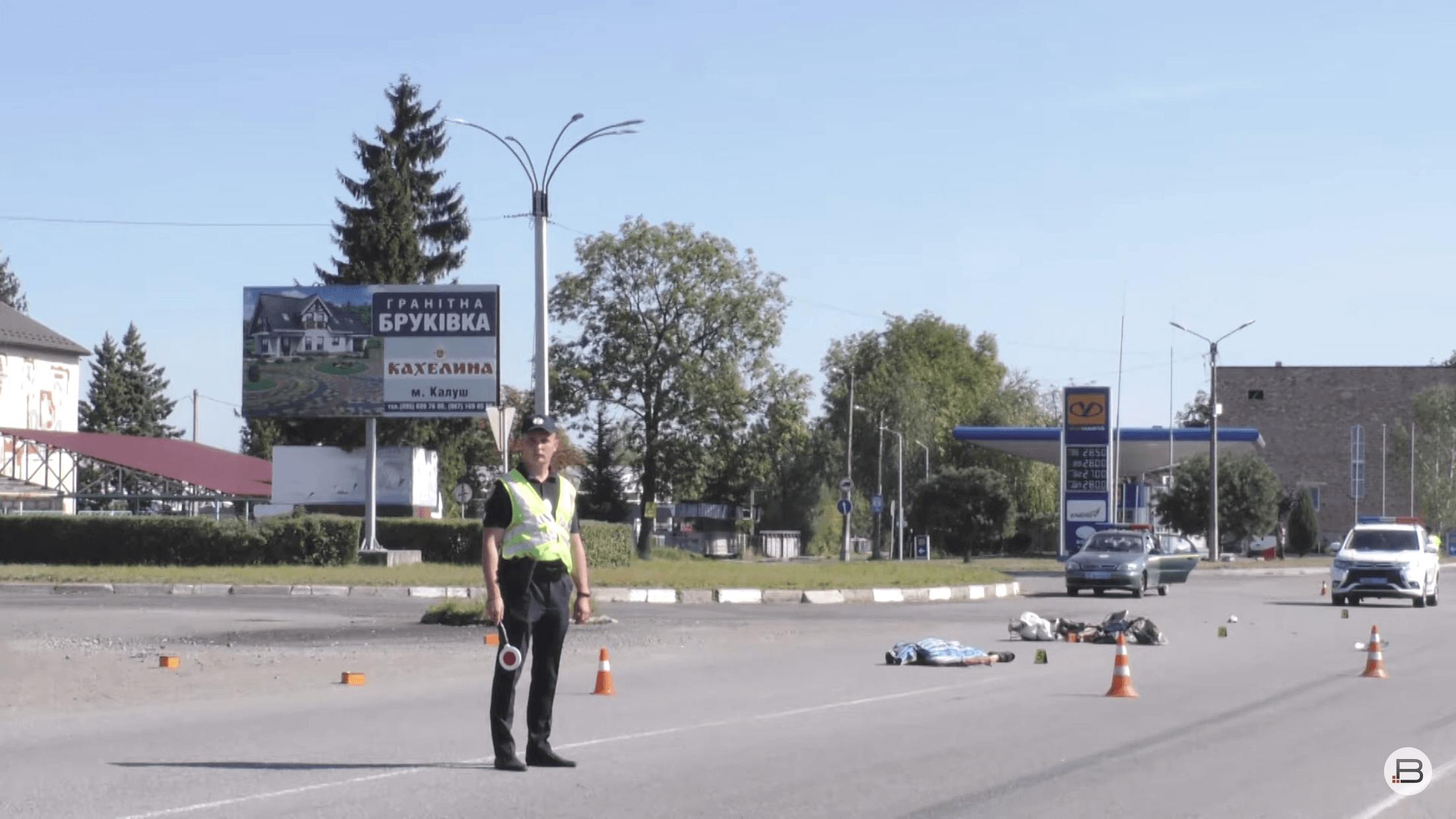 На виїзді з Калуша сталася смертельна ДТП – загинув мопедист (ВІДЕО, ОНОВЛЕНО)