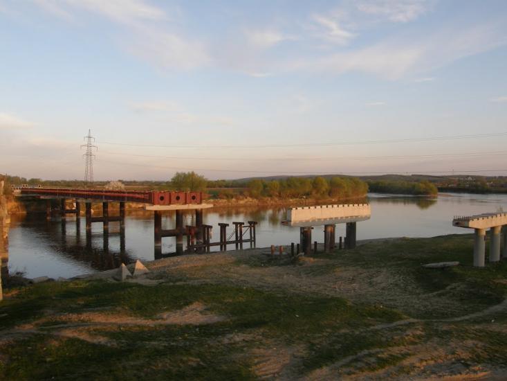 На Калущині взялися за міст через Дністер, будівництво якого стартувало 13 років тому (ВІДЕО)