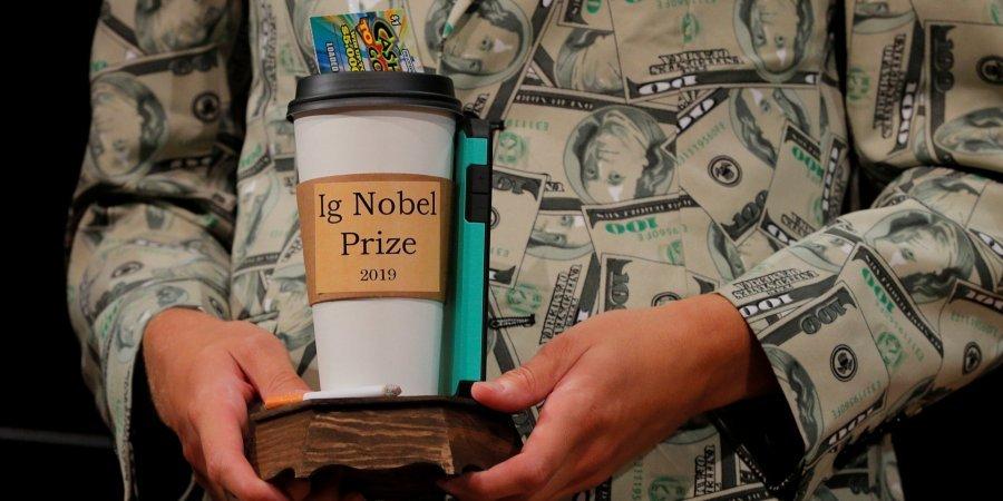 Магніт для тарганів і дієта з піци: у США пройшла щорічна Шнобелівська премія