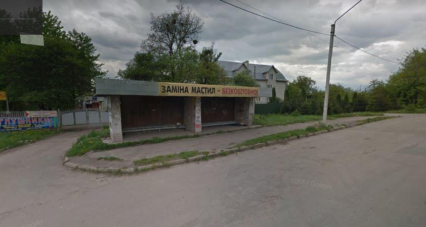 У Франківську з конкурсу віддали в оренду зупинку: у 25 разів дорожче від стартової ціни