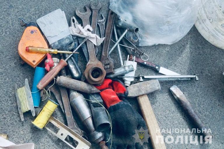 У Франківську спіймали злодія-рецидивіста, котрий обікрав автомобіль (ФОТО)