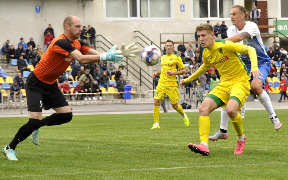 """Захисник і нападник """"Прикарпаття"""" – у символічній збірній 12 туру Першої ліги"""