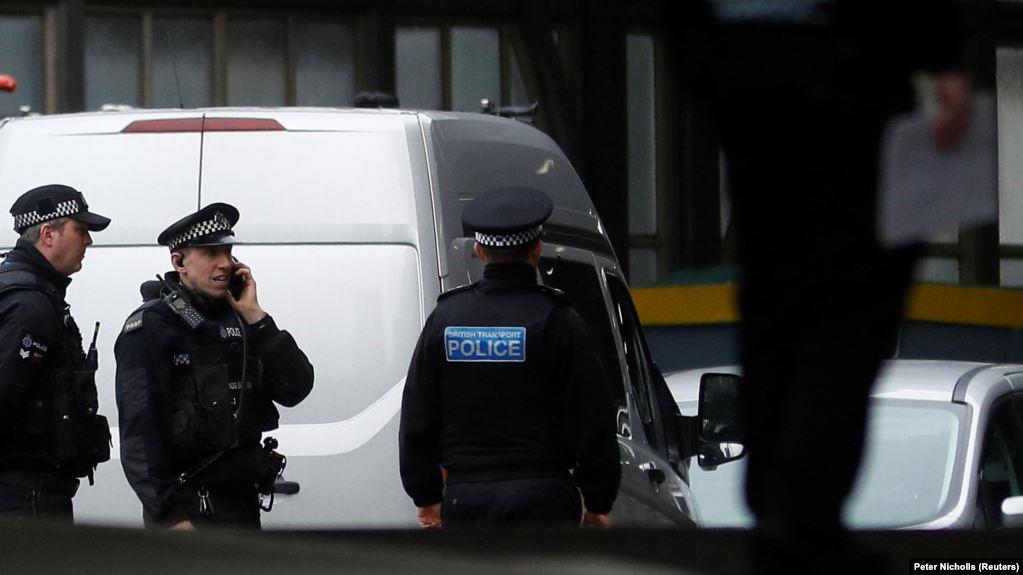 В Англії у вантажівці знайшли тіла 39 загиблих людей