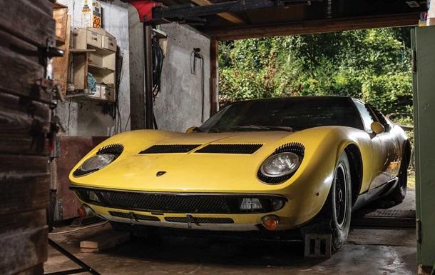 Забуту Lamborghini 1969 року продали за 1,6 мільйонів доларів (ФОТО)