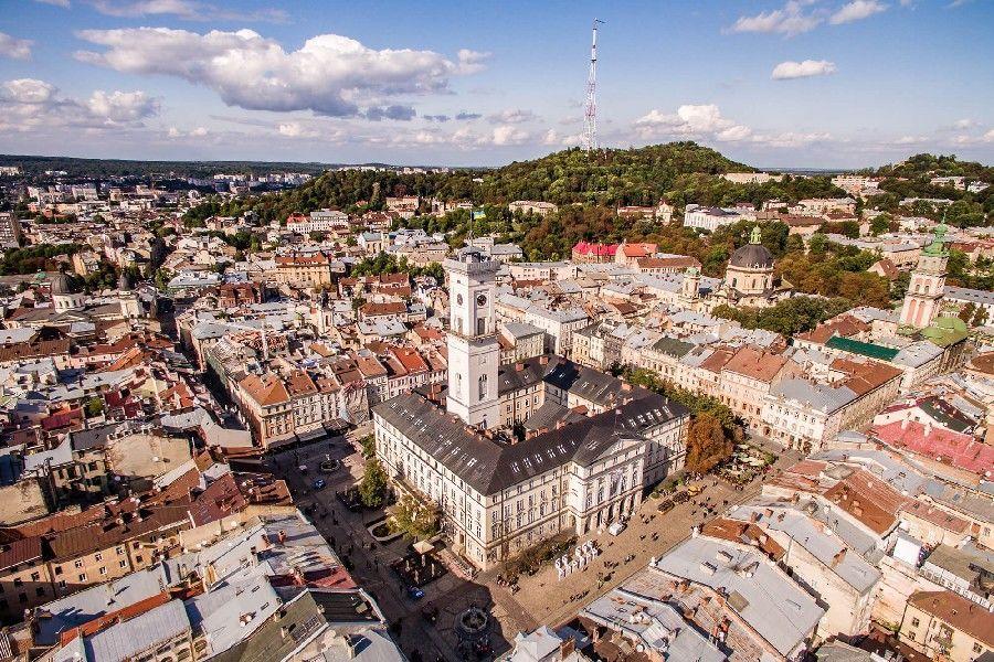 У Львові реставруватимуть балкони в історичних будинках за кошти міста