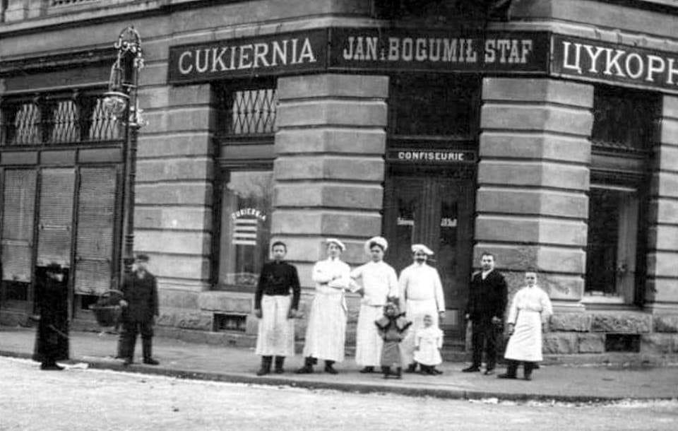 У центрі Франківська хочуть відтворити старовинні двері – потрібна допомога містян
