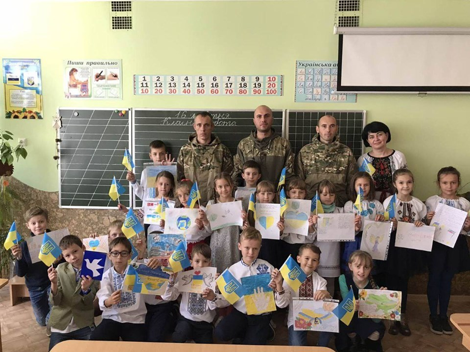 Франківські атовці розповіли третьокласникам про події на сході України (ФОТО)