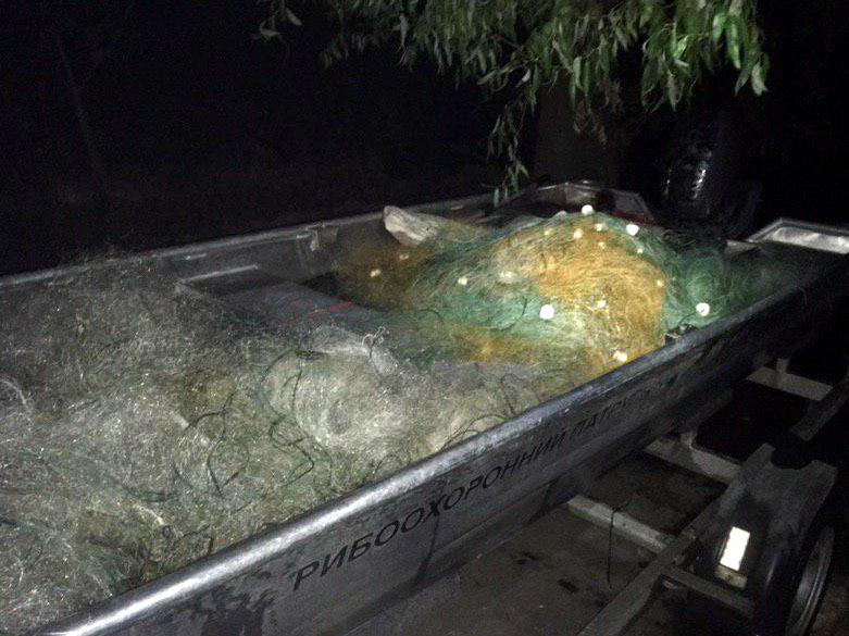 На Бурштинському водосховищі рибпатруль виявив понад кілометр сіток (ФОТО)