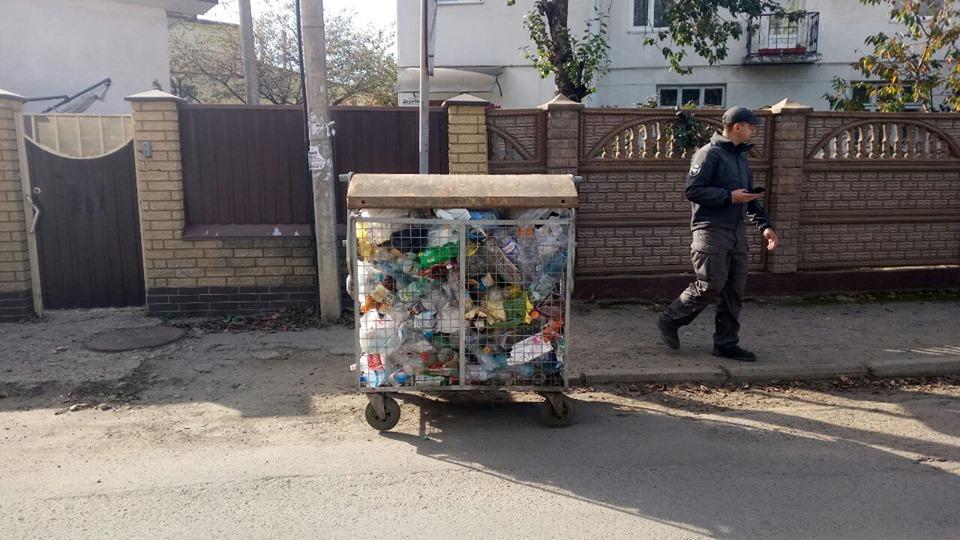 Муніципали відшукали вкрадений сміттєвий контейнер (ФОТО)