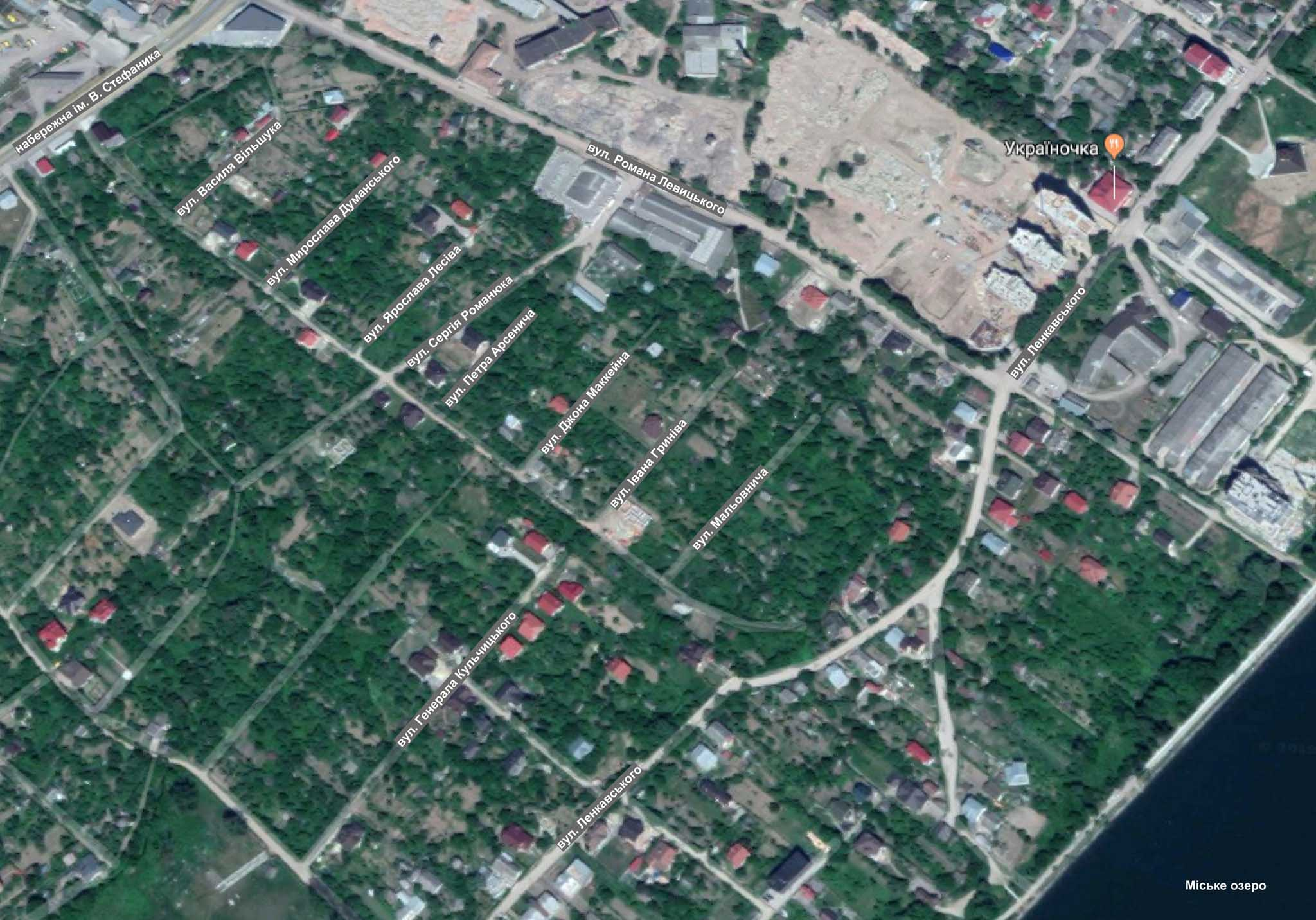 Франківцям показали розташування нових вулиць Маккейна, Романюка та Арсенича (КАРТА)