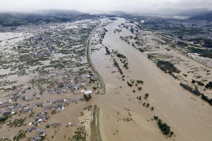 Тайфун в Японії: 35 загиблих, більше 100 постраждалих – ЗМІ (ФОТО, ВІДЕО)