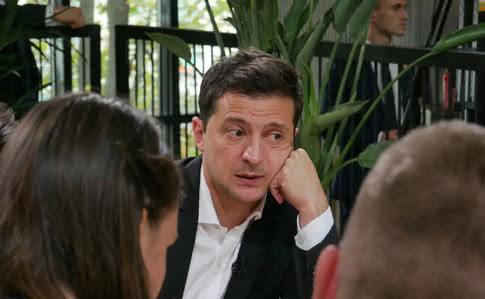 Зеленський про виїзд заробітчан: Рабства в Україні немає