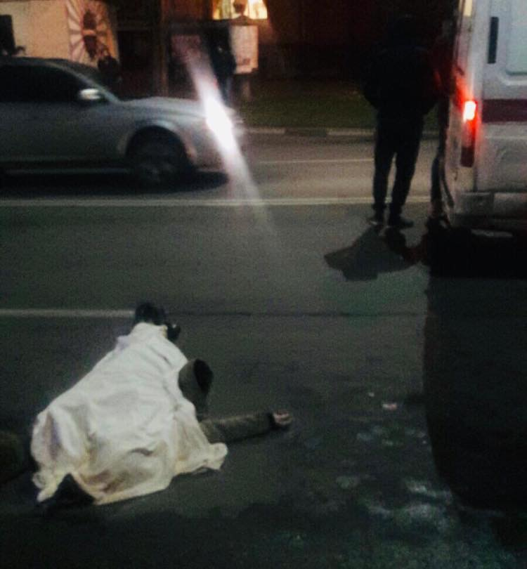У Калуші мікроавтобус на смерть збив літню жінку, яка перебігала дорогу (ФОТО, ВІДЕО)