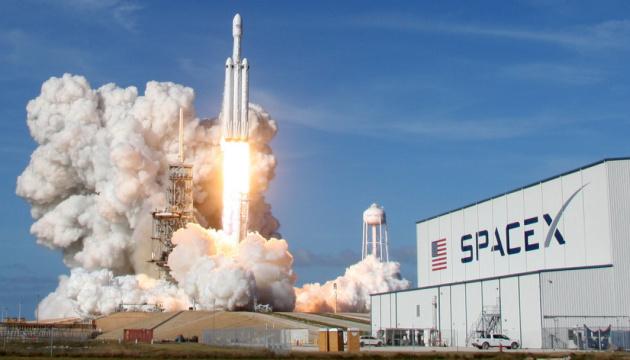 Ілон Маск запустив на орбіту 60 супутників для проекту StarX (ВІДЕО)